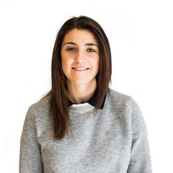Maria Alvarez – Educación en USA