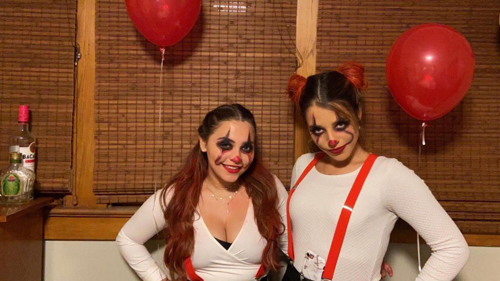 Carolina celebrando Halloween en USA