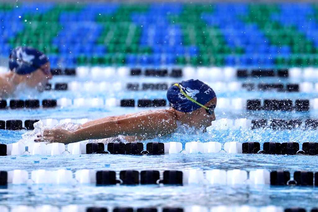 Noelia Garzon nadando